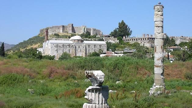Trosky Artemidina chrámu v Efesu v dnešním Turecku