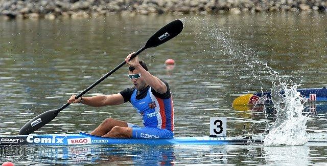 Josef Dostál během Světového poháru 2016 v rychlostní kanoistice v Račicích.