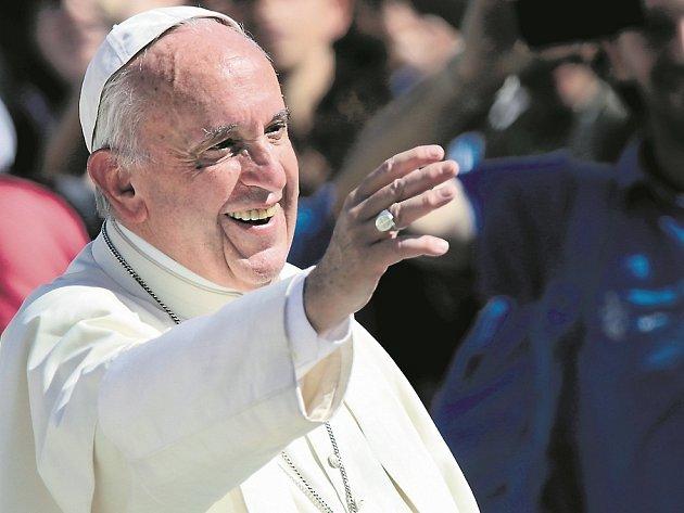 NEJŠŤASTNĚJŠÍ. Nemusíte být zrovna papež, stačí být duchovním. Vykonáváte tak nejspokojenější profesi na světě.