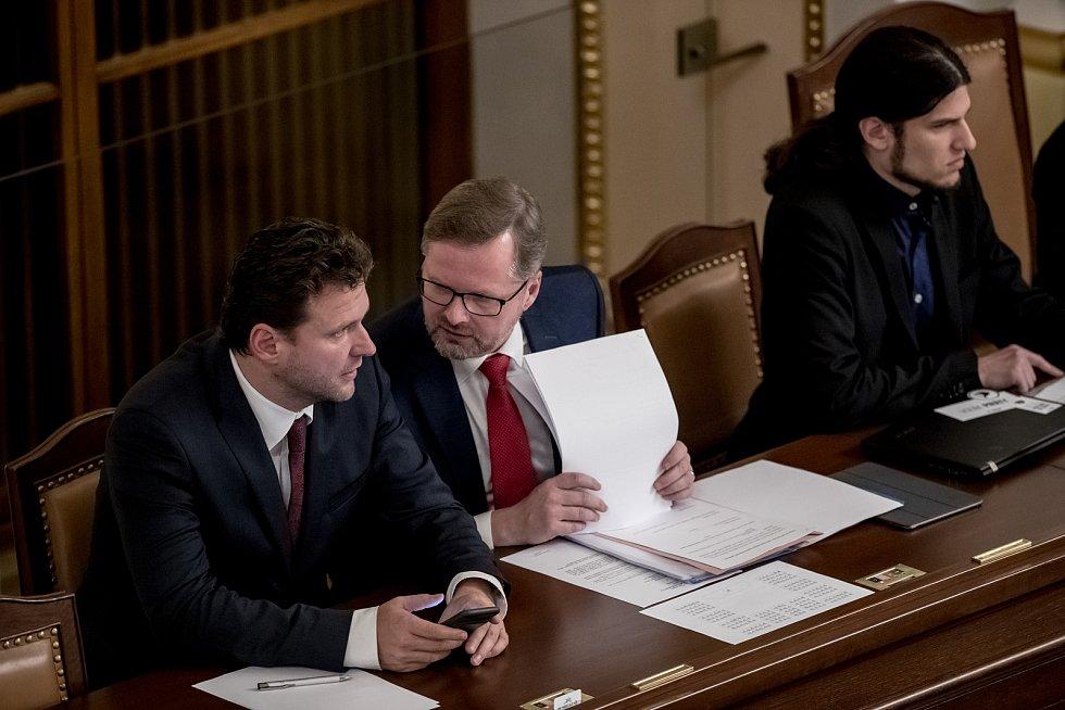 Zasedání sněmovny 28. listopadu v Praze. Vondráček, Fiala, Pikal