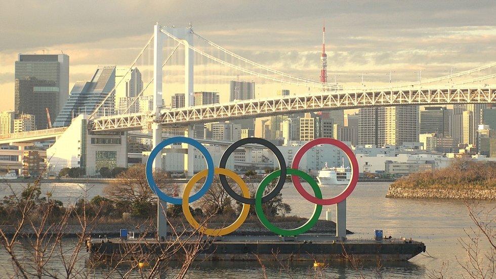 Šéf olympijského hnutí Thomas Bach i japonští představitelé tvrdí, že hry určitě budou.
