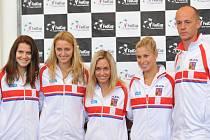 Kapitán Petr Pála (vpravo) nominoval pro semifinále Fed Cupu (zleva) Lucii Šafářovou, Petru Kvitovou, Kláru Koukalovou a Andreu Hlaváčkovou.