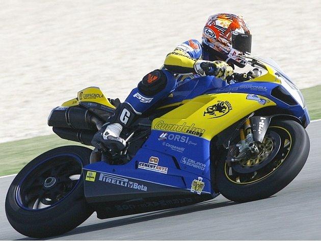 Jakub Smrž v sedle své Ducati 1098 RS08