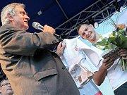 Olympijský vítěz Lukáš Krpálek přivezl do rodné Jihlavy ukázat zlatou medaili.