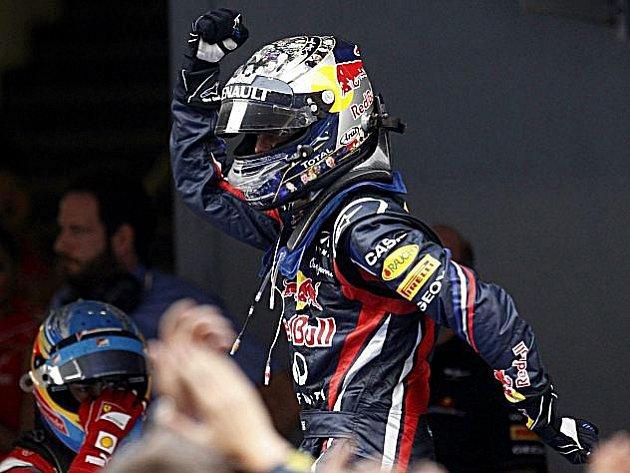 Vítězný taneček Sebastiana Vettela.