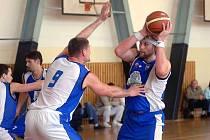 Basket Západ po výhrách v Jindřichově Hradci a Brně potvrdil třetí příčku a čeká ho série s Pardubicemi B.