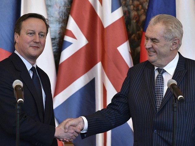 Prezident Miloš Zeman plně podporuje reformní snahy britského premiéra Davida Camerona.