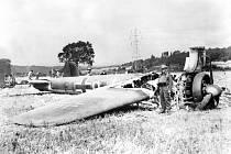 Snímek německého bombardéru Dornier Do 17, sestřeleného britským letectvem dne 18. srpna 1940 poblíž Biggin Hill