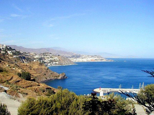 Přístav Puerto Marina v španělské Andalusii