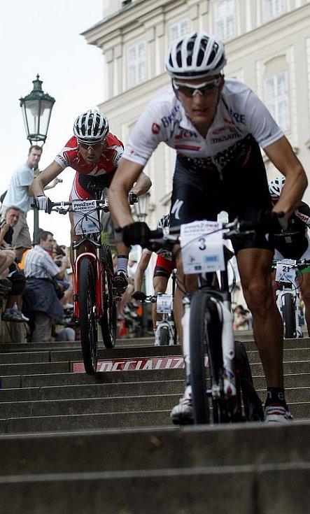 Biker Jaroslav Kulhavý (vpravo) a Christoph Suasser.