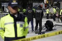 Jihokorejec, který se podílel na přípravě popového koncertu, při němž v pátek nedaleko Soulu zahynulo nejméně 16 lidí, spáchal sebevraždu.