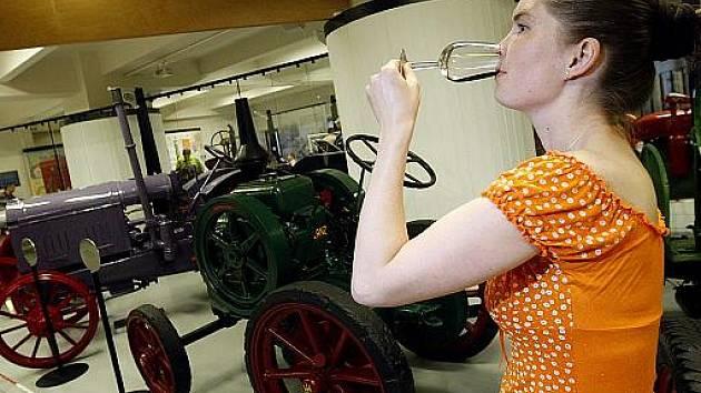 V rámci Pražské muzejní noci proběhla 12. června v Zemědělském muzeu prezentace, ochutnávky i prodej knedlíků, vína a dalších nápojů a potravinářských produktů.