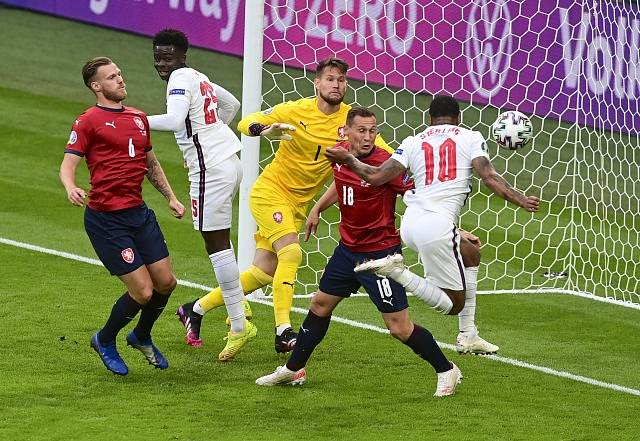 Gól Angličana Raheema Sterlinga proti Česku.