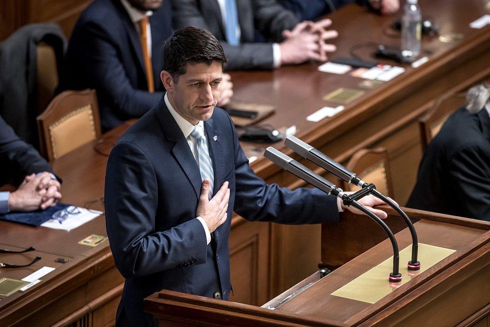 Předseda Sněmovny reprezentantů amerického Kongresu Paula Ryana vystoupil 27. března v Praze se svým projevem ve Sněmovně.