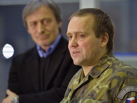 Důstojník Josef Přerovský, který byl s dalšími pozorovateli OBSE zadržován na Ukrajině.