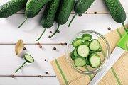 K přípravě salátu se hodí okurka
