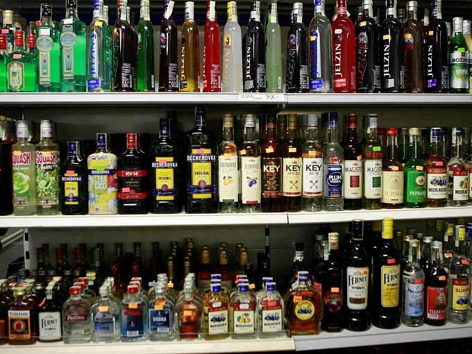 Na rozdíl od jiných zemí je alkohol v České republice snadno dostupný