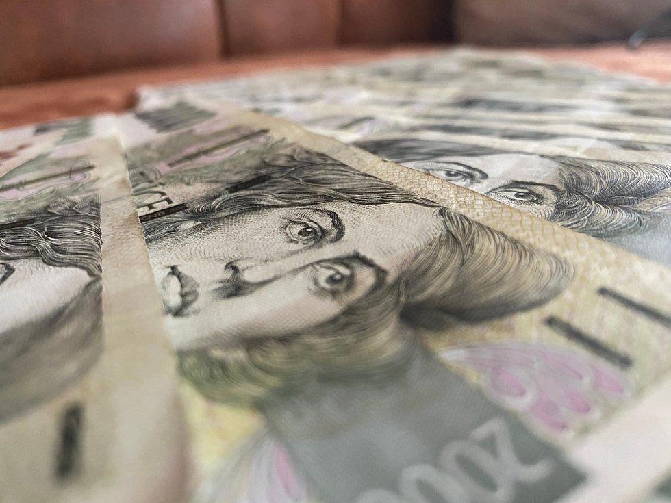 Mzdový medián je v Česku 36 tisíc korun