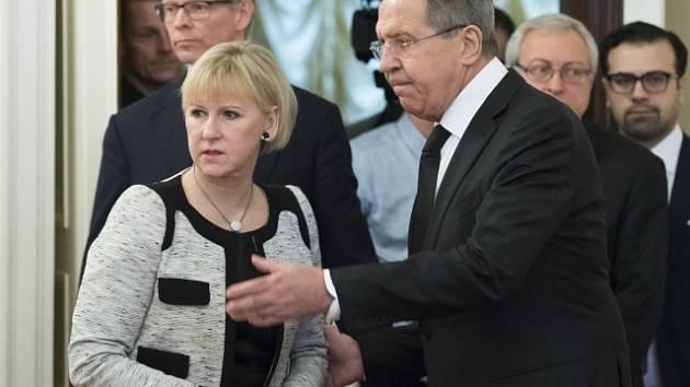 Švédská ministryně zahraničí Margot Wallströmová se svým ruským protějškem Sergejem Lavrovem.