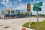 """Mcity je """"umělé"""" městečko pro testování autonomních vozidel."""