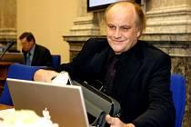 Michael Kocáb na zasedání vlády