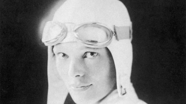 Dosud neznámý osud průkopnice amerického letectví Amelie Earhartové, která při pokusu o oblet světa zmizela v roce 1937 i s navigátorem nad Tichým oceánem, bude možná po desetiletích tápání objasněn.