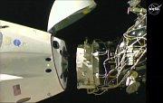 Odpoutání lodě Crew Dragon od Mezinárodní vesmírné stanice.