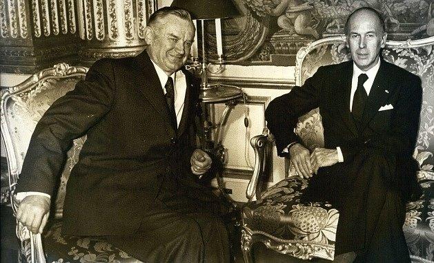 Piotr Jaroszewicz (vlevo) s francouzským prezidentem Valérym Giscardem d'Estaingem