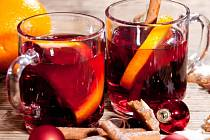 Grog, svařené víno nebo punč nejsou názvy koktejlů jako takových, ale spíše různých postupů přípravy.