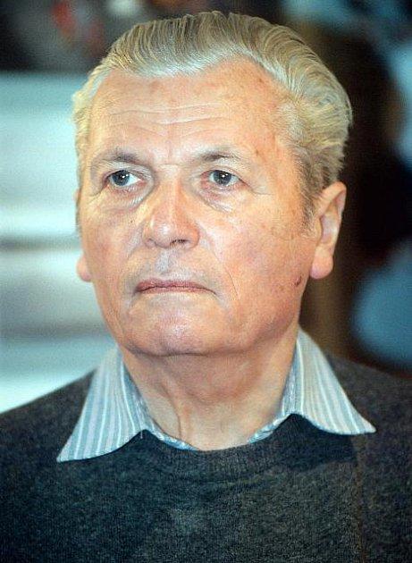 Milan Jungmann zemřel 27. ledna ve věku devadesáti let .