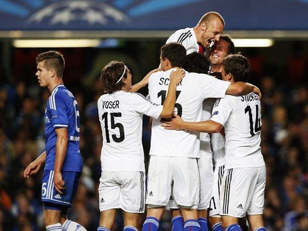 Fotbalisté Basileje zaskočili Stamford Bridge.