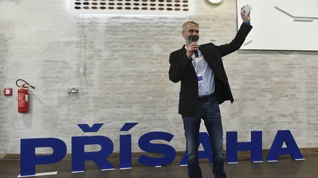 Robert Šlachta byl 26. června v Ostravě zvolen předsedou hnutí Přísaha.