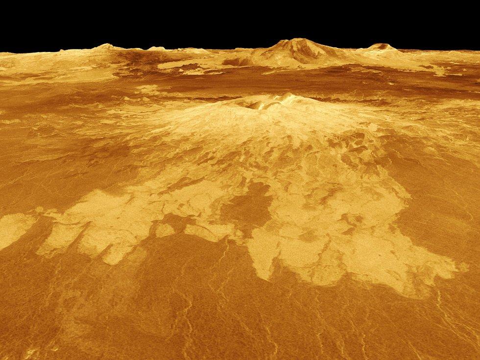 Vulkán na Venuši. Na této planetě prší kyselina sírová.