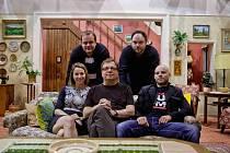 Herci ze seriálu televize Nova Pan Máma při setkání s novináři 14. srpna v Praze.