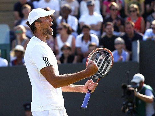 Šestý den Wimbledonu: Ivo Karlovič a jeho radost z postupu