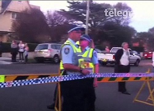 V milionářské čtvrti australského Sydney se policisté snaží zneškodnit bombu, v jejíž bezprostřední blízkosti se nachází osmnáctiletá dívka.