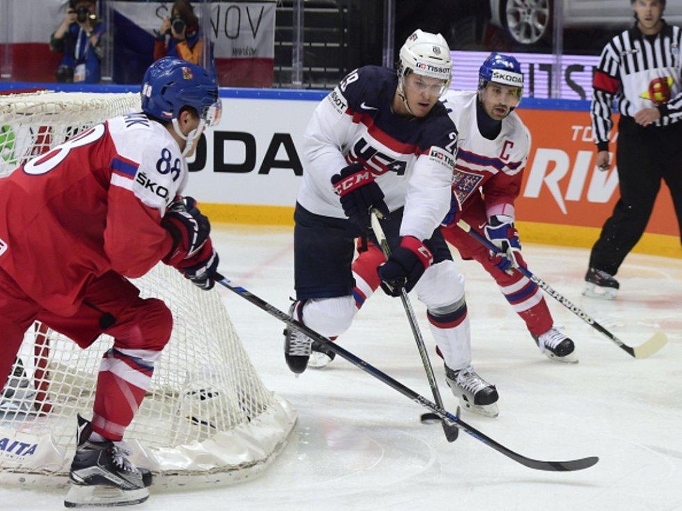 David Patstrňák (vlevo) a Tomáš Plekanec (vpravo) proti USA.