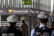 Cestovní kancelář Thomas Cook na letišti ve Frankfurtu nad Mohanem