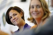 Bývalá světová tenisová jednička Lindsay Davenportová (vlevo) byla uvedena do Síně slávy.