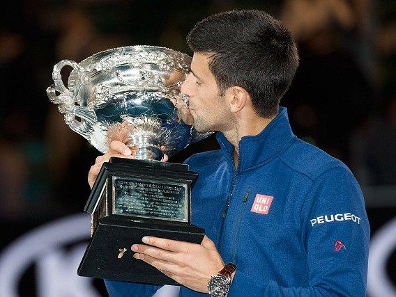 Novak Djokovič s šestou trofejí z Australian Open