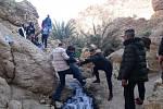 I když Tunisané Vánoce neslaví, mají děti v tomto období prázdniny a vyrážejí na výlety, mimo jiné i do oázy Chebika.