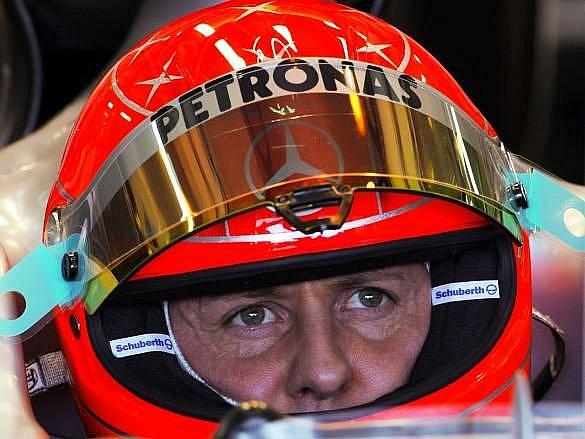 Michael Schumacher při testech ve španělské Valencii.