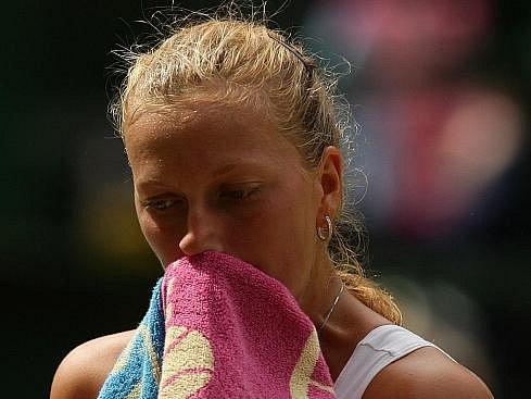 Petra Kvitová si vytoužené wimbledonské finále nezahraje.