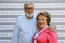Jiří Bartoška a Jiřina Bohdalová na festivalu v Karlových Varech