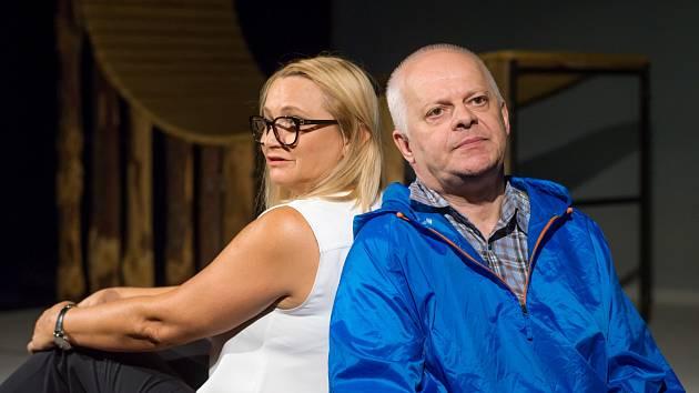Bob Klepl a Anna Šišková v komedii Polibek