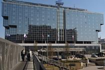 Největší hotel v Česku, pražský Hilton Prague, je na prodej.