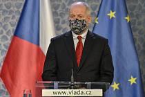 Epidemiolog Roman Prymula pověřený řízením Centrálního řídícího týmu COVID-19 vystoupil 30. března 2020 v Praze na tiskové konferenci po schůzi vlády k aktuálnímu vývoji ohledně šíření koronaviru