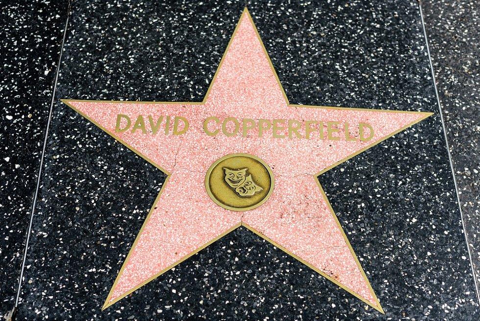 Mág David Copperfield má i svou hvězdu na chodníku slávy v Hollywoodu.