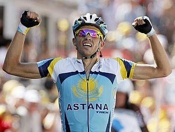 Alberto Contador si v neděli vybojoval žlutý dres.