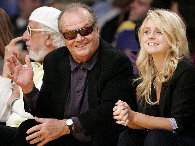 Nejslavnější a nejvěrnější slavný fanoušek Lakers Jack Nicholson se svou dcerou Lorraine.